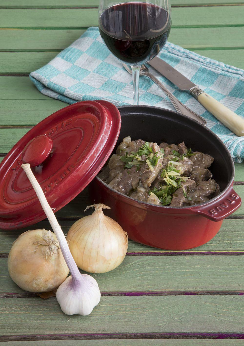 Stoofvlees met ui en ansjovis